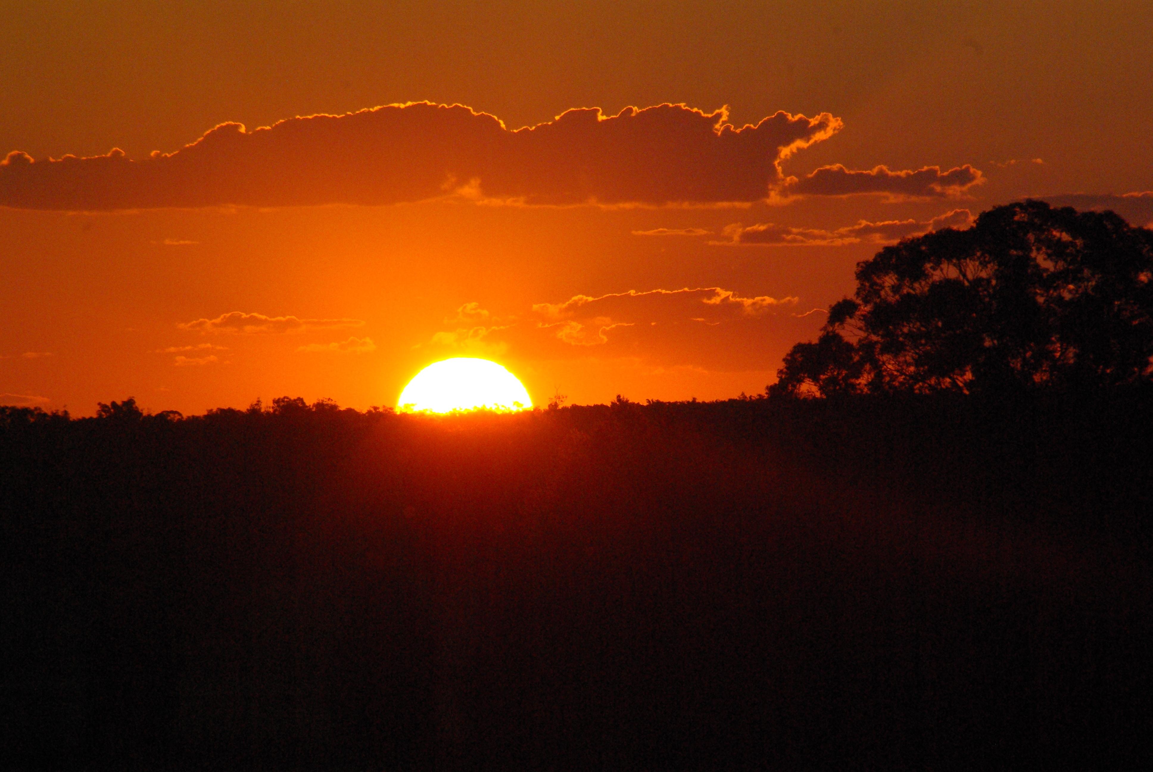 Gilgandra sunrise at TooraweenahTH